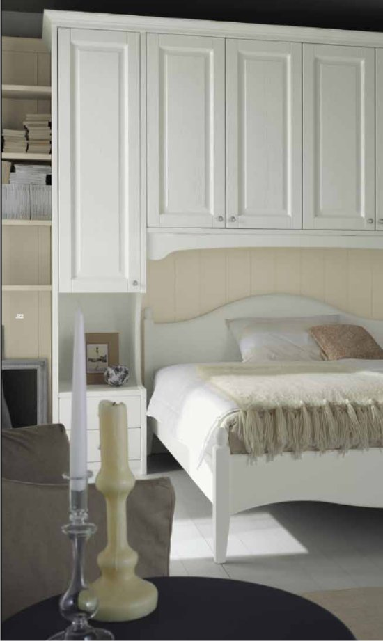 Casa moderna, roma italy: camera da letto rustica