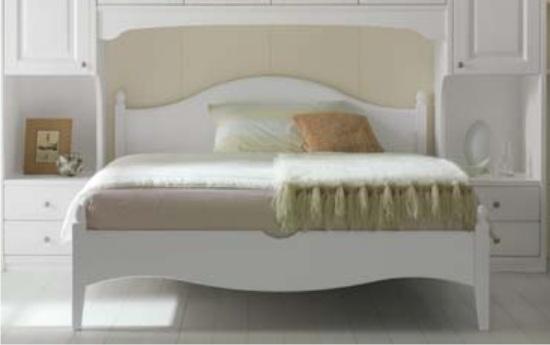 Camere da letto matrimoniali classiche